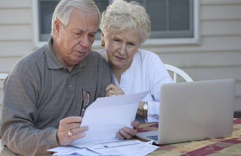 Senior Tips for Living on a Fixed Budget